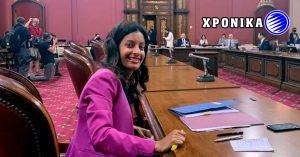 Παρατίρηση στην Dominique Anglade διότι εκφράστηκε και στα αγγλικά σε συνέντευξη τύπου στην Εθνοσυνέλευση του Κεμπέκ